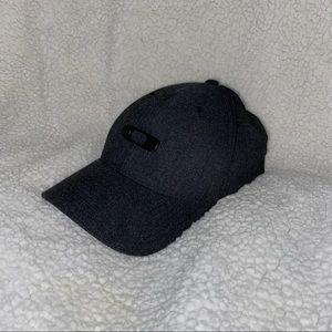 Like new Oakley Hat